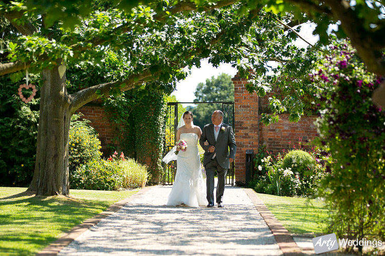 2013-08-Gaynes-Park-Wedding_12