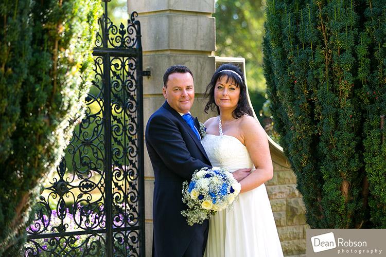 2014-Fanhams-Hall-Wedding-Photography_01
