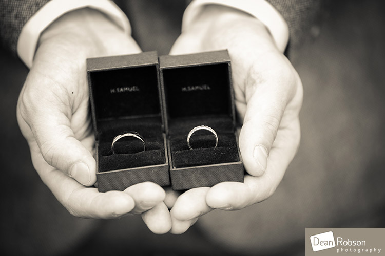 Room-In-The-Rodings-Wedding-Photo_10