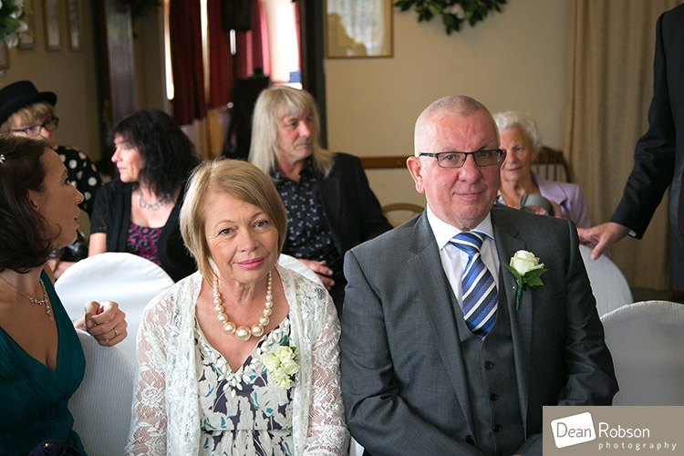 Room-In-The-Rodings-Wedding-Photo_15