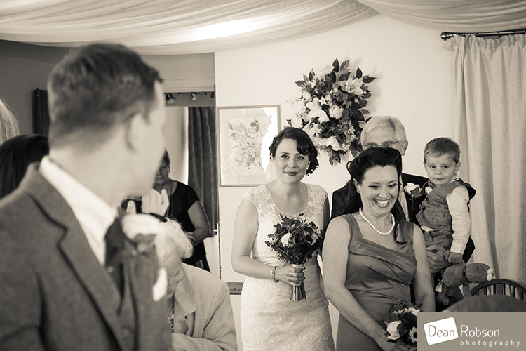 Room-In-The-Rodings-Wedding-Photo_16