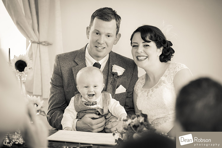 Room-In-The-Rodings-Wedding-Photo_19