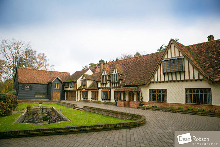 Great-Hallingbury-Manor-Wedding-Photography_02