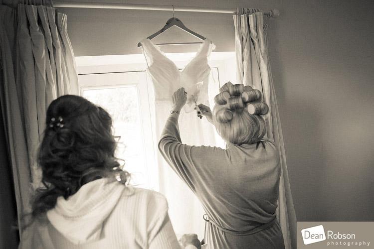 Great-Hallingbury-Manor-Wedding-Photography_03