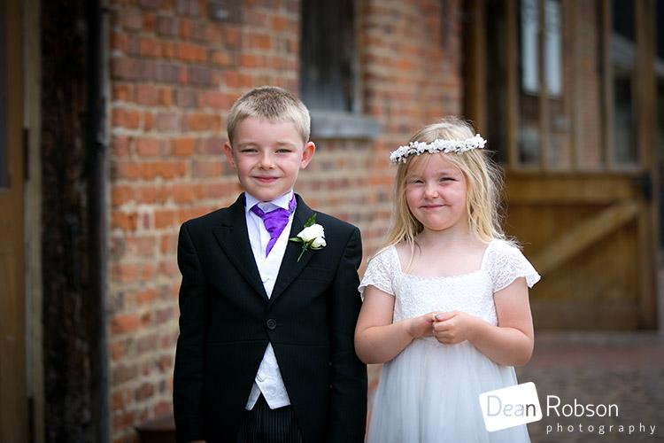 Tewin-Bury-Farm-Wedding-Photography-2015_06
