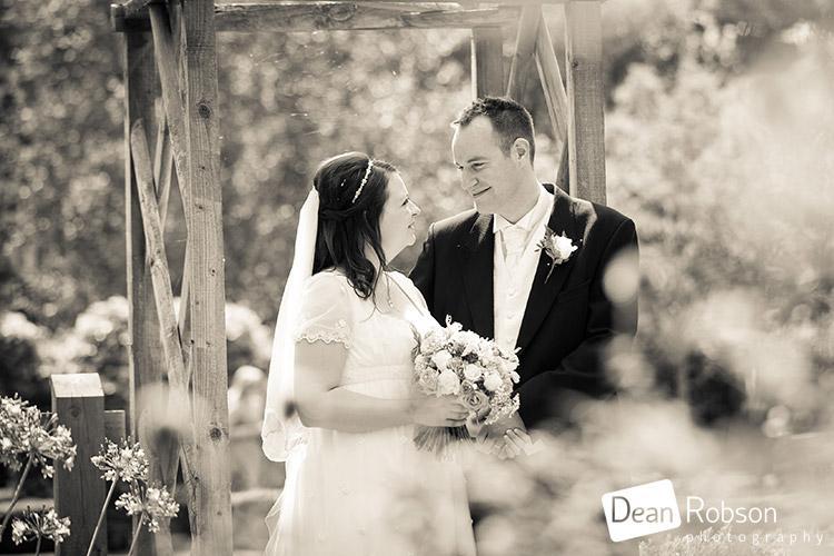 Tewin-Bury-Farm-Wedding-Photography-2015_27