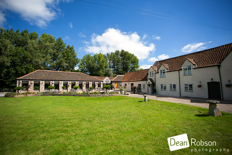 Aldwick-Court-Farm-and-Vineyard-Wedding-Photography_02