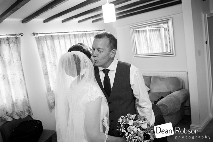 Aldwick-Court-Farm-and-Vineyard-Wedding-Photography_13