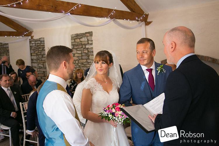 Aldwick-Court-Farm-and-Vineyard-Wedding-Photography_19
