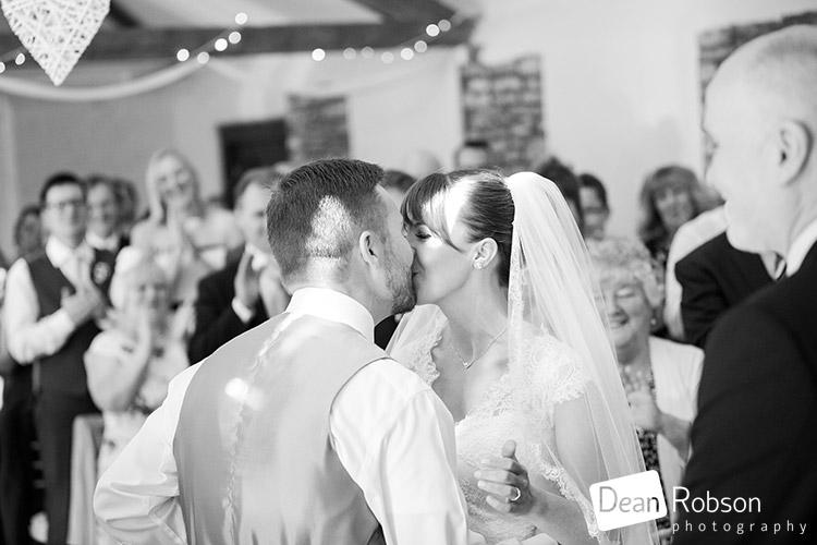 Aldwick-Court-Farm-and-Vineyard-Wedding-Photography_22