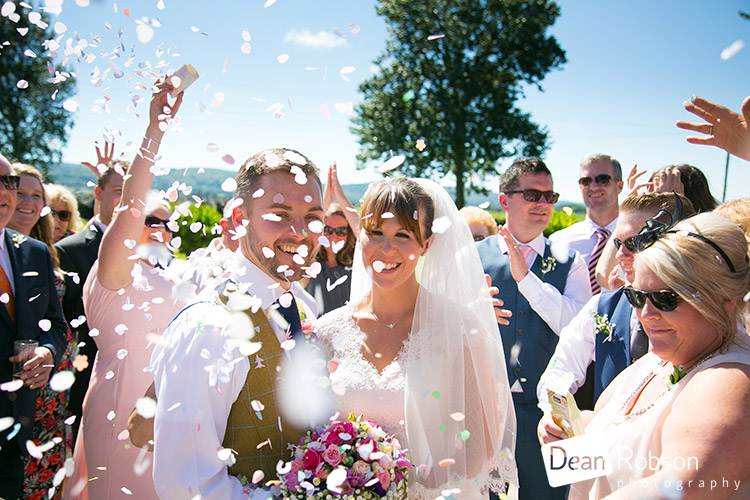 Aldwick-Court-Farm-and-Vineyard-Wedding-Photography_28