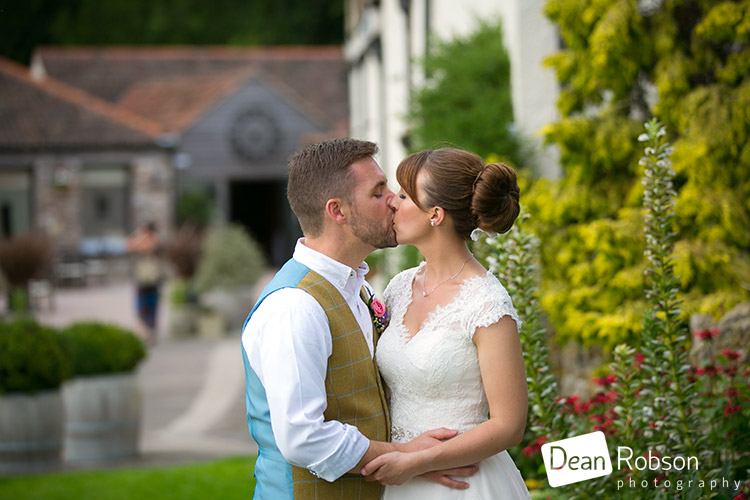 Aldwick-Court-Farm-and-Vineyard-Wedding-Photography_47